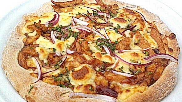 California_Pizza_BBQ_Chicken_Pizza-Bucerias