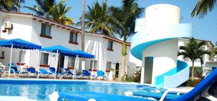 Bungalows_Princess_Beachfront_Waterslide_Bucerias_Mexico