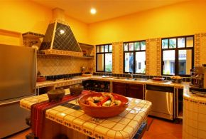 Hacienda_Patrizia_Main_House_Kitchen