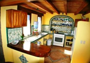 Jungle_Bungalow_Kitchen