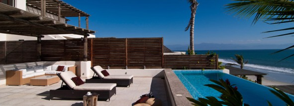 Los_Veranos_Resort_Punta_de_Mita_Residences_Beach_Club_Poolside