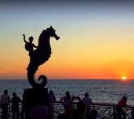 Puerto_Vallarta_Seahorse_Statue