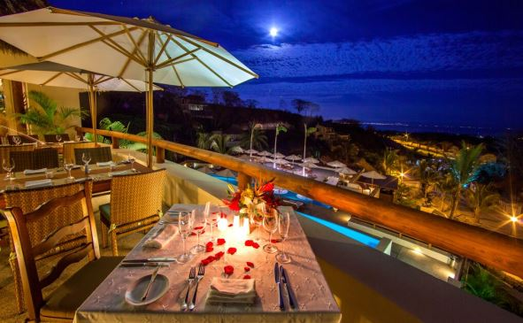 Raixes_Restaurant_La_Cruz_Romantic
