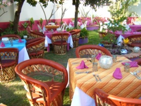 Rosa_Restaurante_Mexicano_Bucerias_outdoor_seating