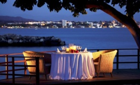Vallarta_Gardens_La_Cruz_Mexico_Dining